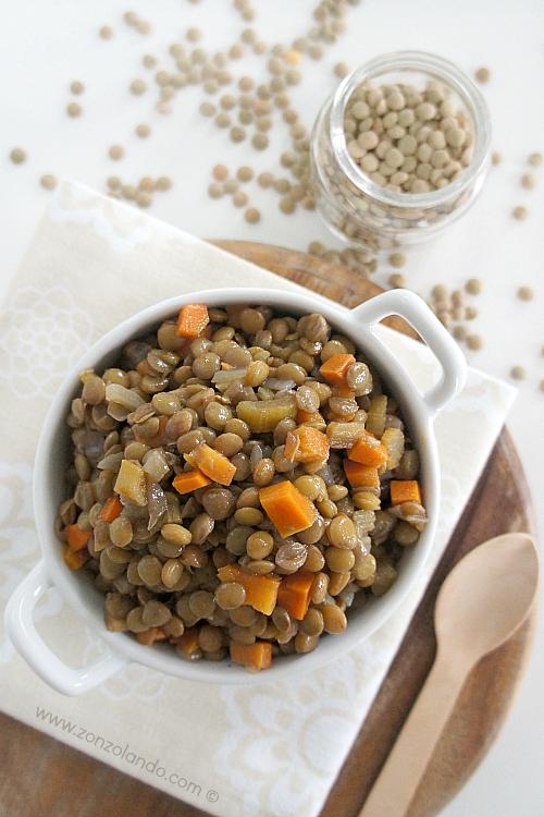 Lenticchie agli odori, carota, sedano cipolla ricetta light per le feste natale - veggie baked lentils recipe