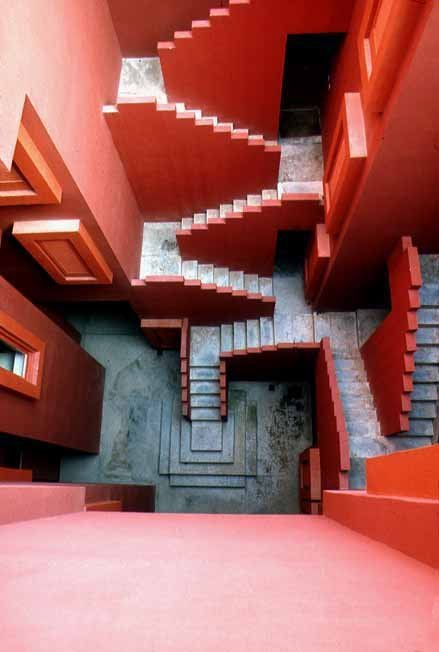beautiful architecture-la muralla roja