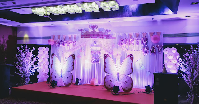 Interior wedding banquet at country inn and suites By Radisson Navi Mumbai