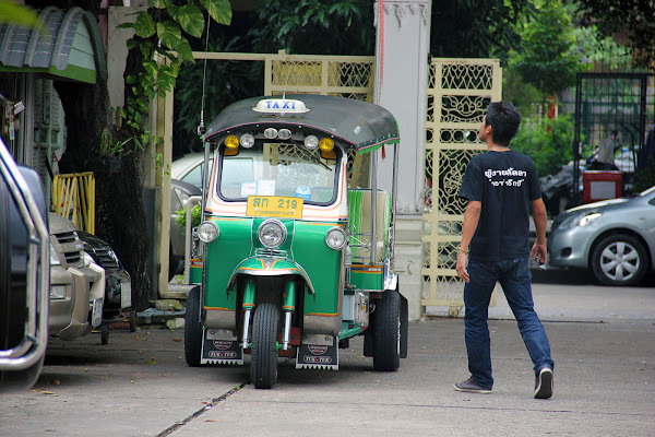 Timos en Tailandia la estafa del tuk-tuk