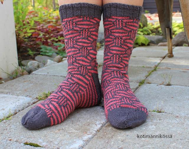 Mosaic marbles socks kerrosrivinousu sukat