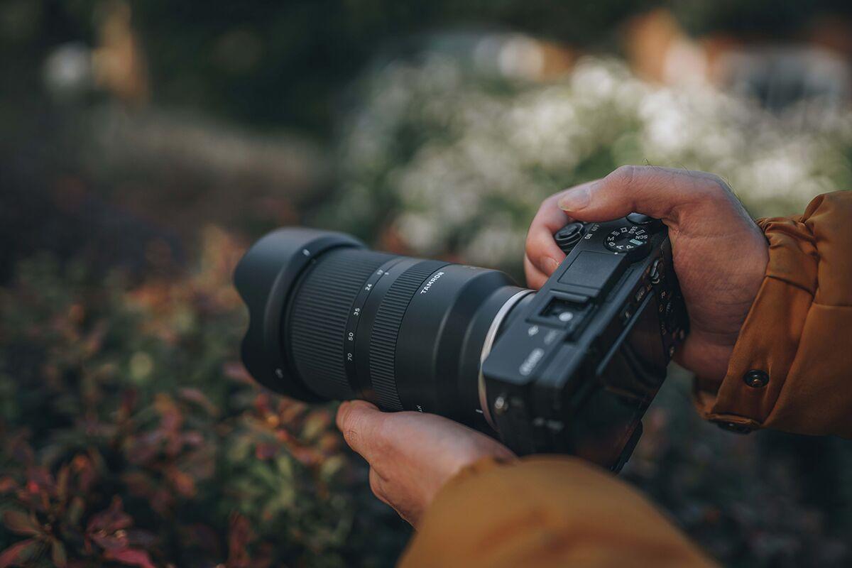 Lens nào tốt nhất cho máy ảnh Mirrorless của Sony A6000 6100 6300 6400 6600?