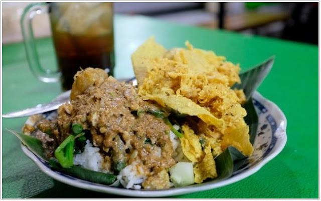 Nasi Pecel Sambal Tumpang;10 Top Kuliner Kediri;