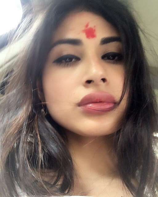 TV Actress mouni Roy instagram photos