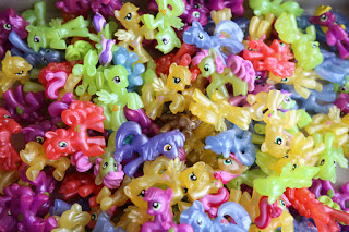 MLP Pile of Pearlized Wave 16 Blind Bags
