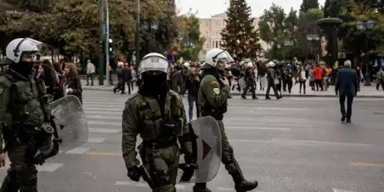 Αρχηγός ΕΛ.ΑΣ.: Υποχρέωση όλων των αστυνομικών να φέρουν διακριτικά στη στολή τους