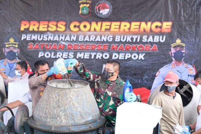 Polrestro Depok Musnahkan 258 Kg Sabu Menggunakan Molen