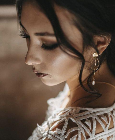 Boucles d'oreilles perles d'eau douce collection capsule Divine Idylle Gisèle & Simone x Le Baiser de la Mariée