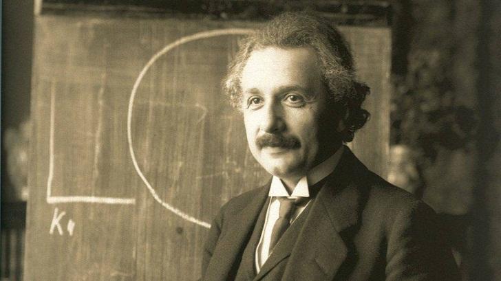 Empat Makalah Albert Einstein yang Mengubah Dunia Fisika