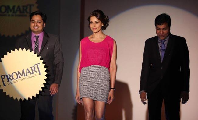 Bipasha basu latest hot pics
