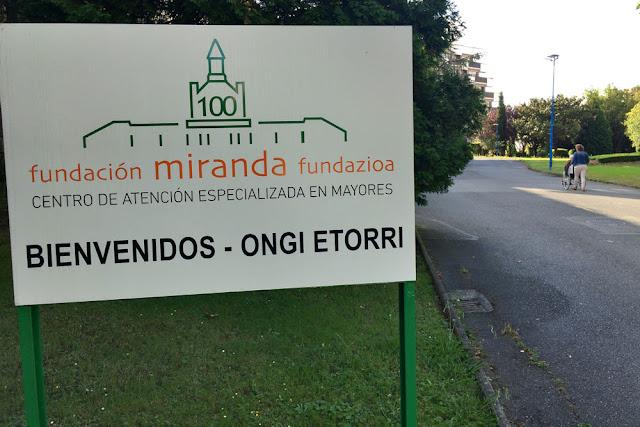 Entrada de la residencia de la Fundación Miranda