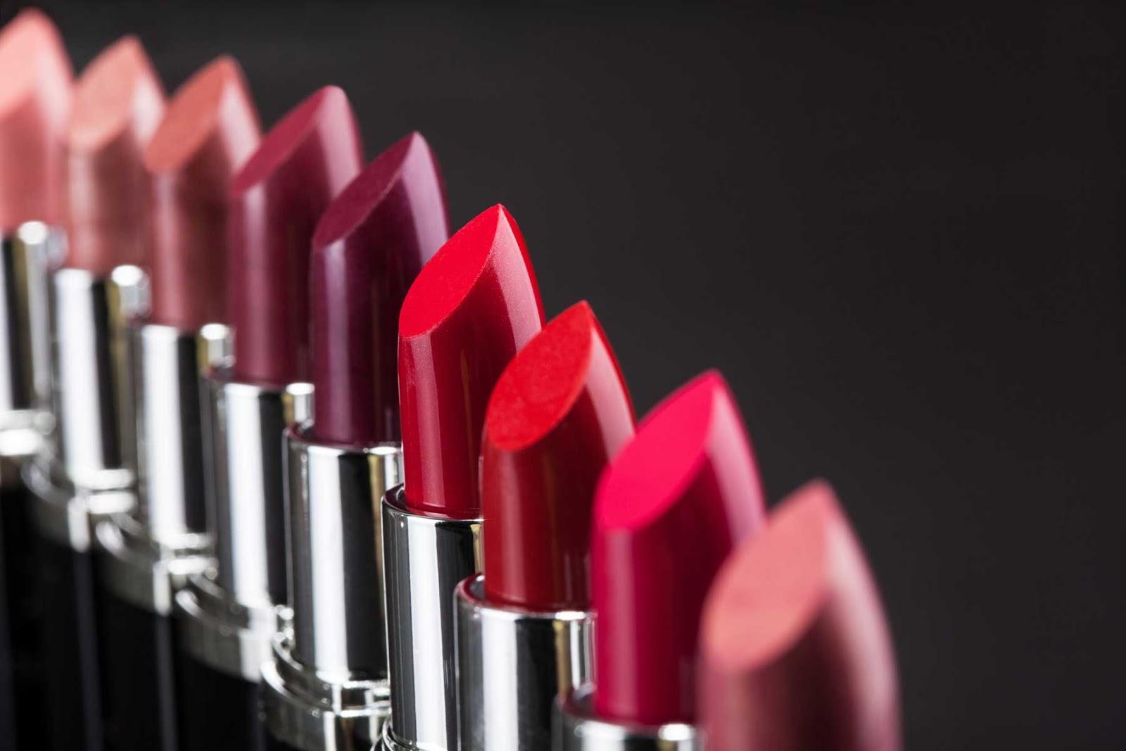 warna lipstik arti makna lipstik produk kosmetik kecantikan makeup artist mua bibir beauty blogger vlogger indonesia review merek merk brand branded tips cara memakai yang benar jenis macam manfaat kegunaan