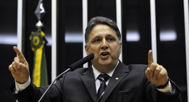 O casal dos ex-governadores Anthony Garotinho e Rosinha Matheus foi solto pela Justiça do Rio de Janeiro um dia após a prisão
