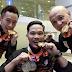 Kenapa atlet gigit pingat emas yang dimenangi?
