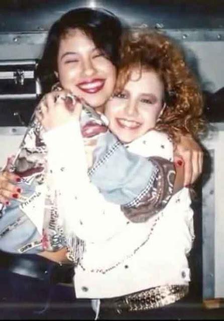 Selena com sua melhor amiga