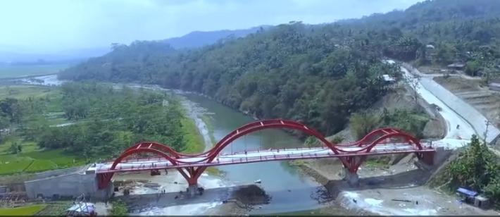 Jembatan merah desa pepedan