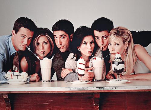 Série Friends, Rachel Green, Monica geller, Ross geller, moda anos 90, netflix, serie de comedia