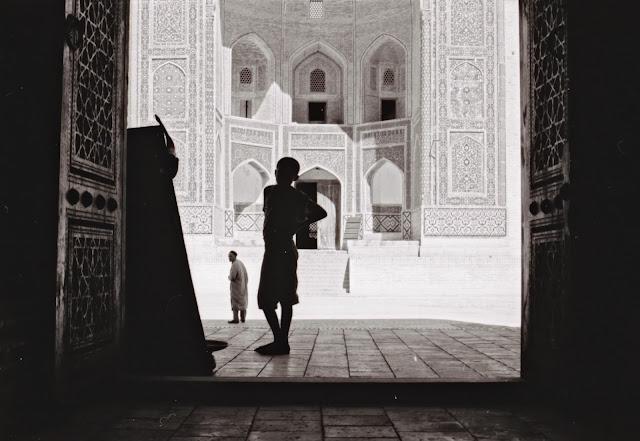 Ouzbékistan, Boukhara, médersa Mir-i-Arab, mosquée Kaylan, © L. Gigout, 1999