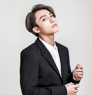 Top 12 Ca sĩ được giới trẻ yêu thích nhất ở Việt Nam hiện nay