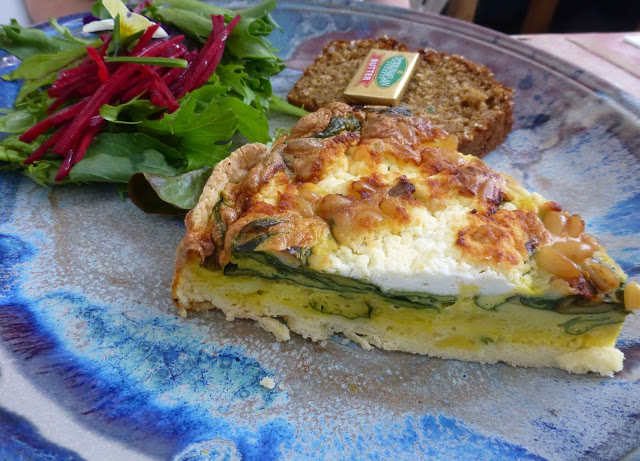 restaurants and food: cafe