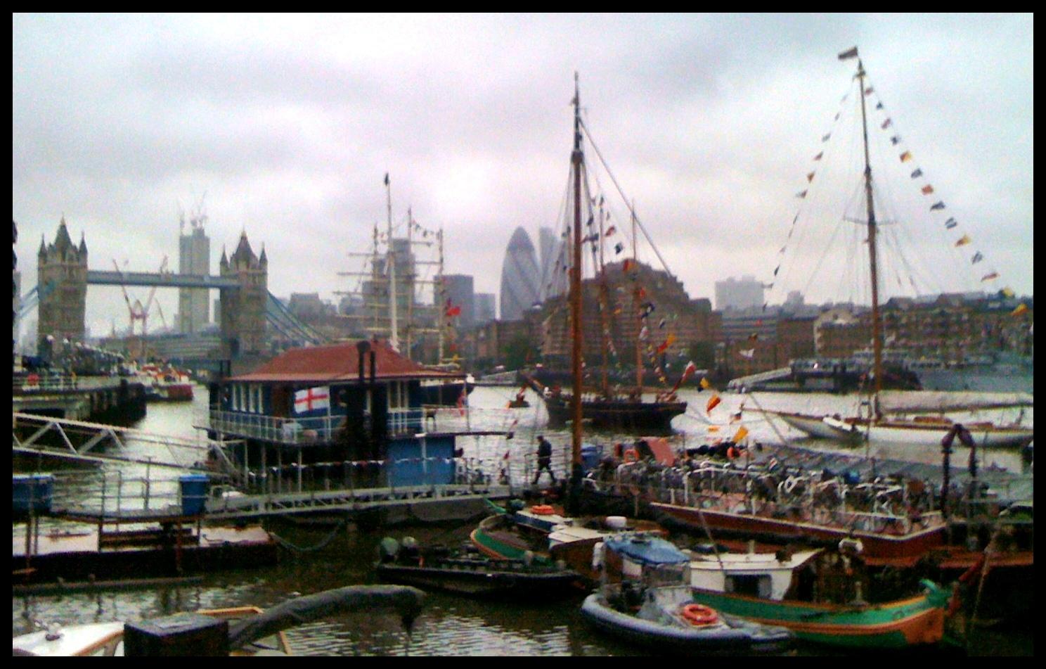 .: Beautiful, Beautiful London