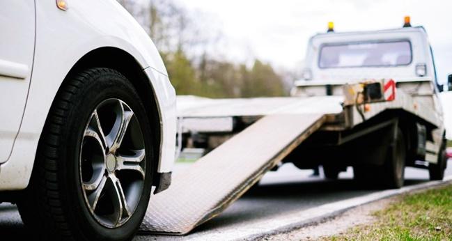 Trafik Polisi arabamı çekici ile çekerken zarar verdi, ne yapabilirim?