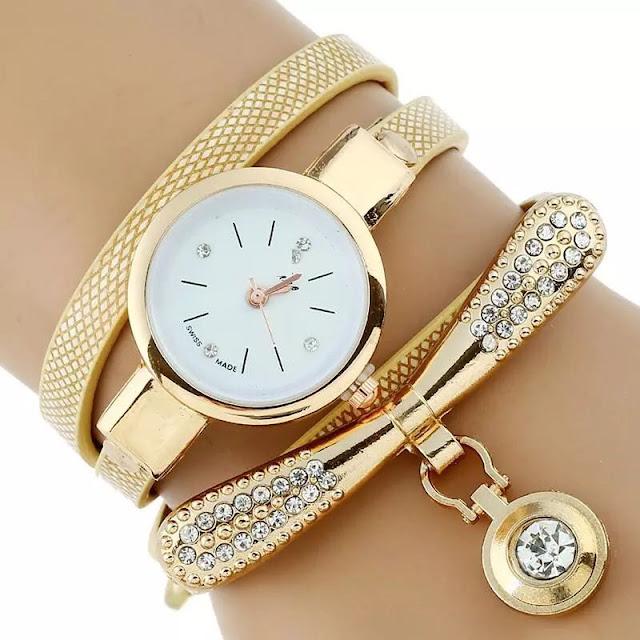 ساعة معصم نسائية جميلة
