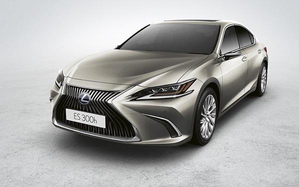 Lexus ES 300h Luxury 2020