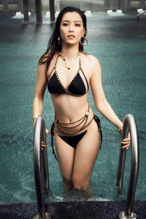 Ứng viên Hoa hậu Hoàn vũ Việt Nam 2019 tung ảnh bikini khoe số đo vàng