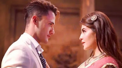 asim riaz and Jacqueline Fernandez in song mere angane mein