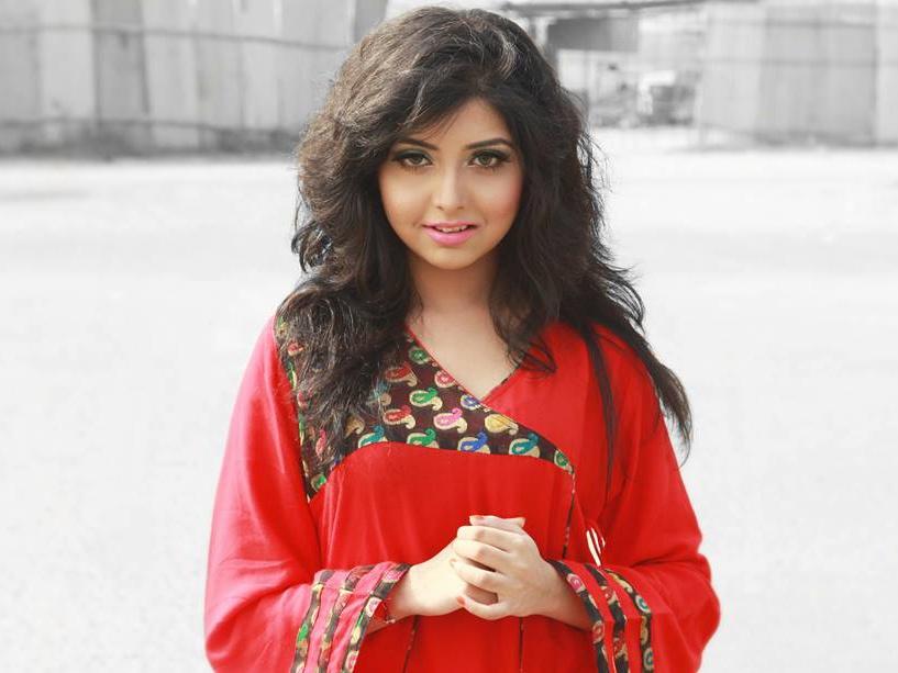 Porshi - Bangladeshi Singer  Photos 5