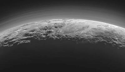 Bukit Pasir Metana Beku Ditemukan Di Pluto