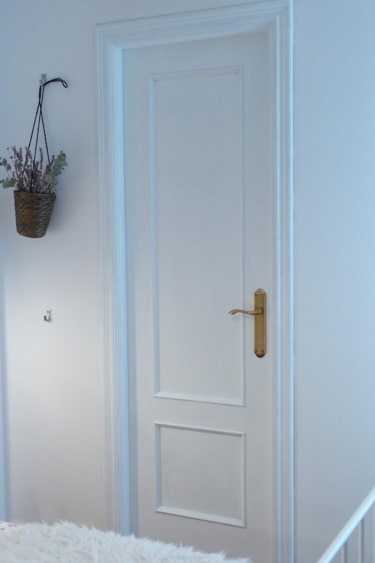 Una pizca de hogar pintar las puertas de tu hogar con for Como cambiar las puertas de casa