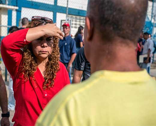 ¿EXCUSAS PARA DEJARLOS SALIR? Iris Valera anuncia que pondrán a los presos a trabajar en reparación de casas en barriadas caraqueñas
