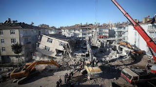 وزير الداخلية التركي: نبني ملاجئ مؤقتة لاستضافة 1000 عائلة من الذين تضررو من الزلزال