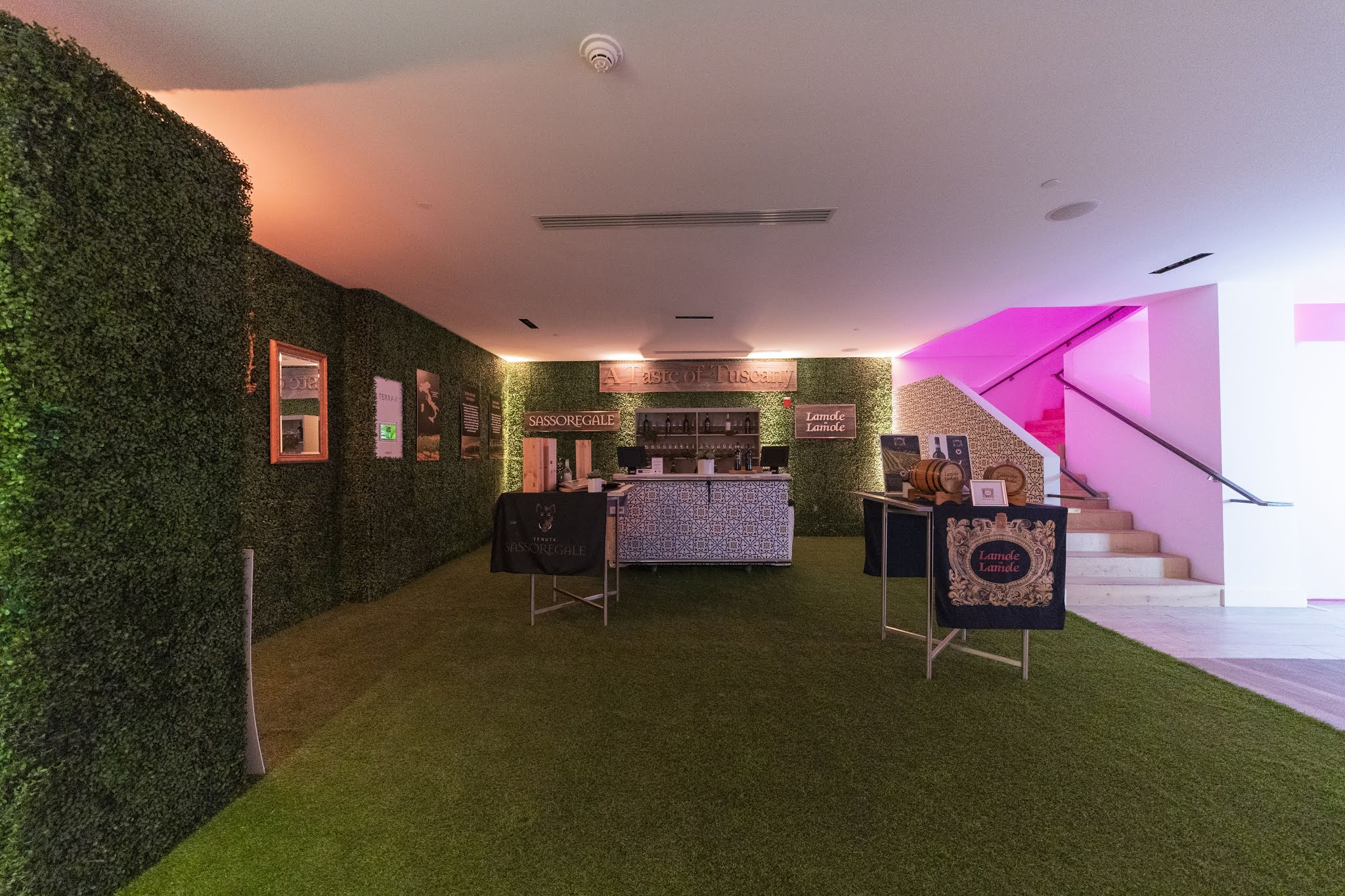 rumput dekorasi ruangan