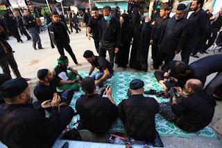 Aqidah Syiah: Bagi yang Membersihkan Sepatu Peziarah Makam Imam Husein Tak Akan Masuk Neraka
