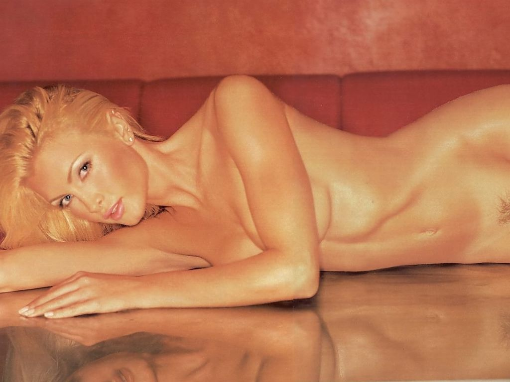 Caprice Bourret  American Nude Girls Hot-5001