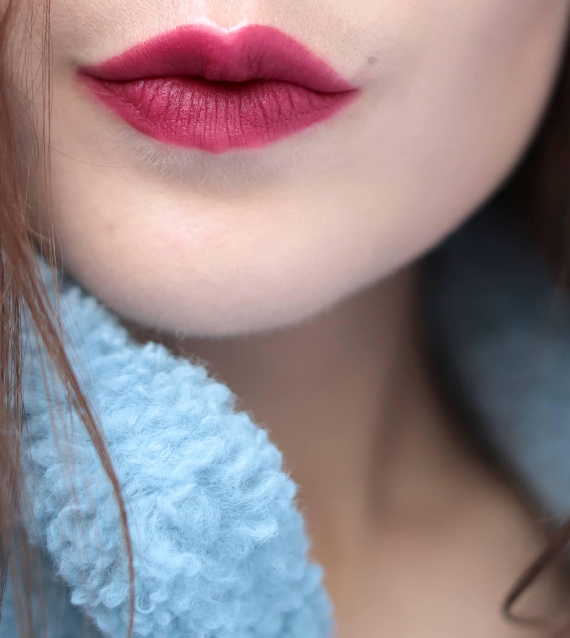 MAC Powder Kiss Liquid Colour 983 Burning Love