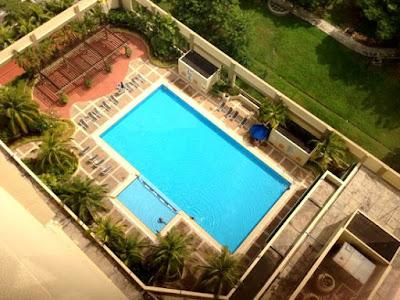 Bilik dengan view kolam renang hotel concorde