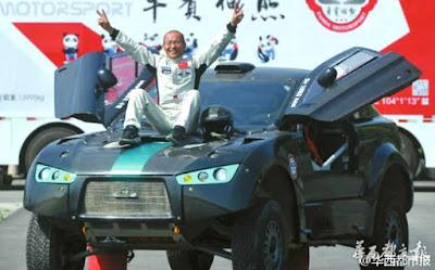 KEREN, SUDAH PARUH BAYA TAPI JAGO BALAP MOBIL DAN PUNYA PERUT SIXPACK!!!
