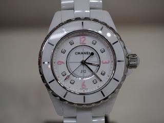シャネルのJ12 H4863 女性用腕時計 ピンクライトを買い取りました