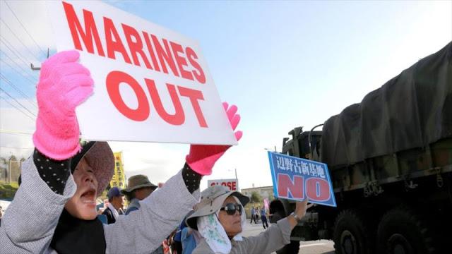Residentes de Okinawa protestan por presencia militar de EEUU