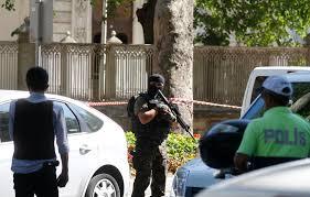 شاهد لحظة مقتل السفير الروسي في تركيا اليوم الاثنين واخر تفاصيل الحادثة