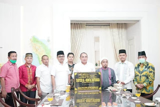 Oky Iqbal Frima Dampingi Gubsu Resmikan Pondok Pesantren Tahfizh Al Mumtaz Batubara