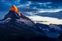 Matterhorn sunrise - Photo by lovely shots on Unsplash
