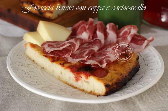 focaccia_barese_con_coppa_e_caciocavallo