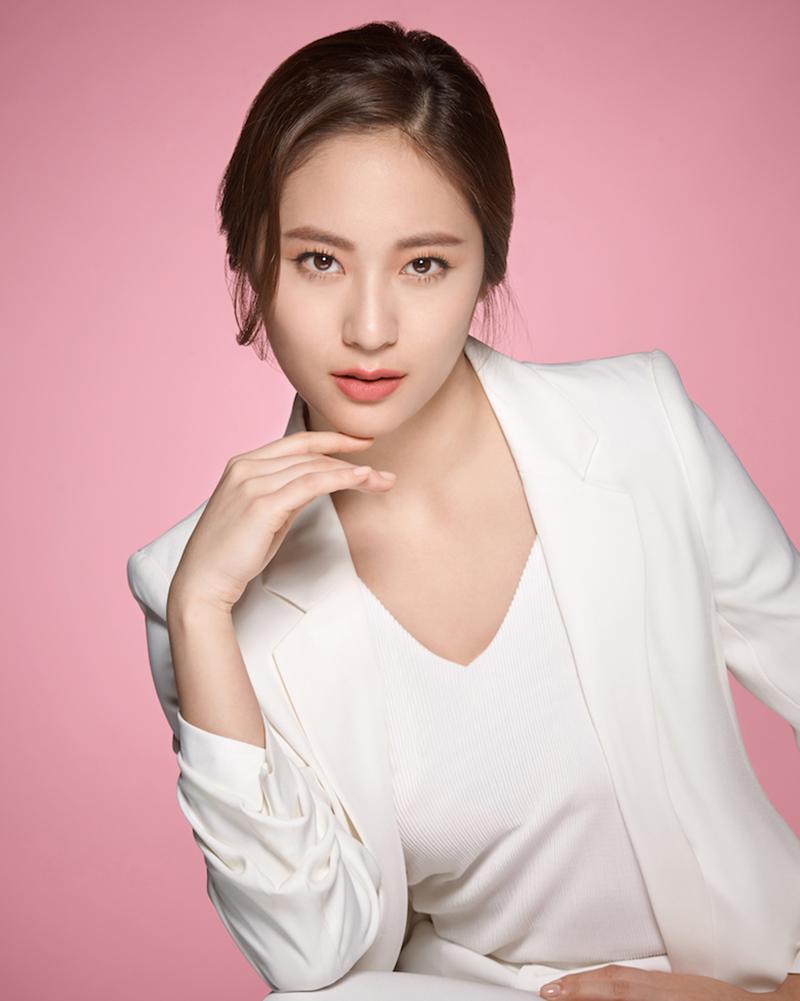 cewek cantik dan manis artis Korea selatan Krystal Jung