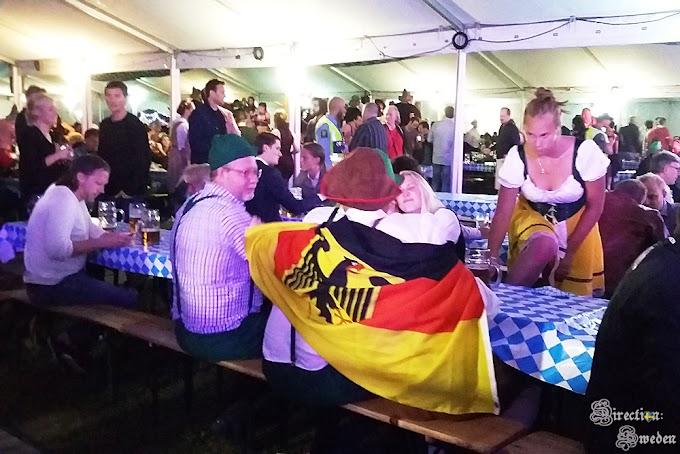 Szwedzi świętują Oktoberfest we wrześniu