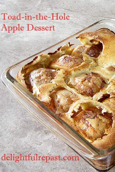 Toad-in-the-Hole Apple Dessert / www.delightfulrepast.com